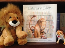 blogpic.librarylion.shelf